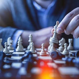 Strukturierte Gewalt – Teil 1: Strategie vs. Taktik